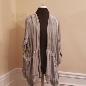 Grey Soft tunic Cardigan top EUC POL Fringe & lace